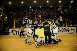 Viareggio se lleva el derby y lo festeja