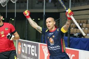 Pedro Gil celebra su quinto gol. Foto de Luis Velasco.